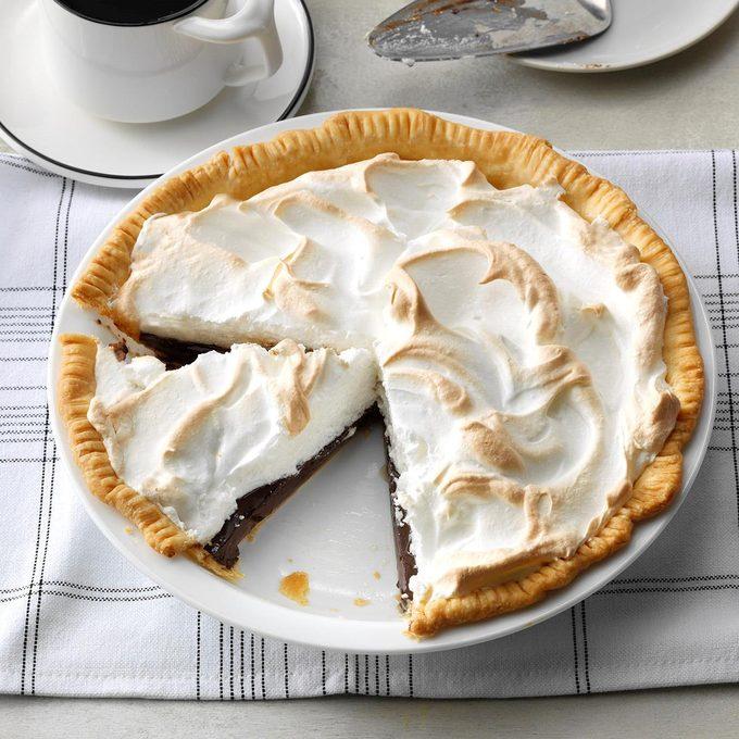 Grandma S Chocolate Meringue Pie Exps Diyd21 2724 E03 04 1b