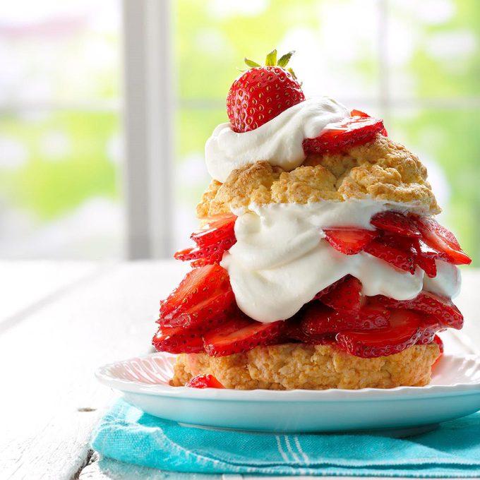 Grandma S Old Fashioned Strawberry Shortcake Exps Tham17 186286 B12 16 3b 13