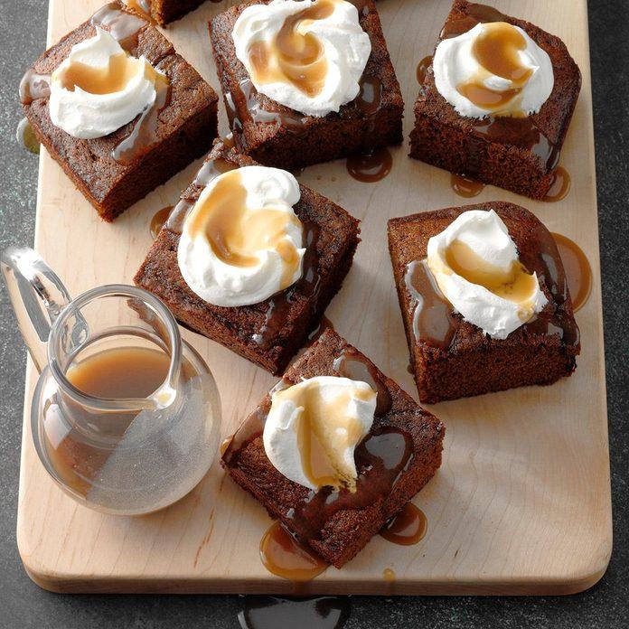Granny S Gingerbread Cake With Caramel Sauce Exps Tgckbz1 48994 D05 03 3b 3