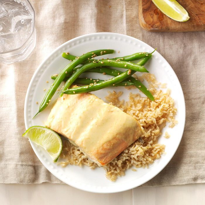 Green Curry Salmon With Green Beans Exps Sdam17 110028 C12 08 5b 5