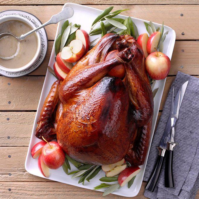Grilled Apple Brined Turkey Exps Tohon19 40809 B06 18 5b 11
