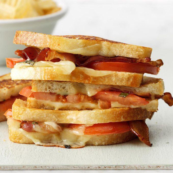 Grilled Bacon Tomato Sandwiches Exps Sdjj19 41581 B02 07 7b 6
