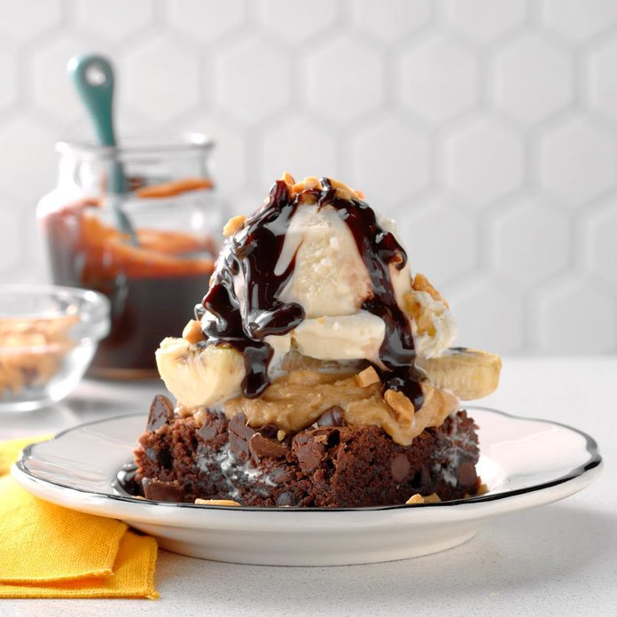 Caroline Stanko, Associate Editor: Grilled Banana Brownie Sundaes