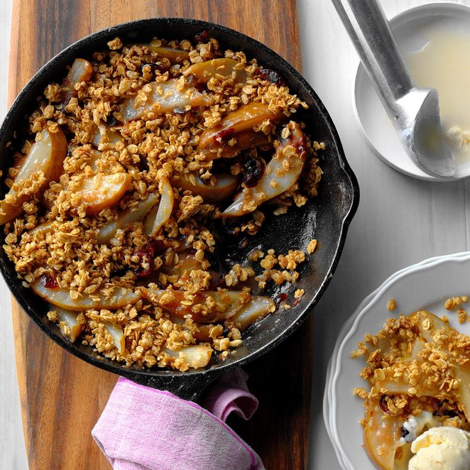 Grilled Cranberry Pear Crumble Exps Hck17 186040 B10 18 5b 4
