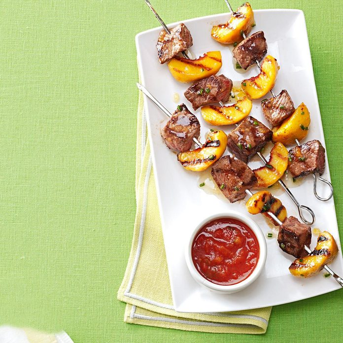 Grilled Sirloin Kabobs With Peach Salsa Exps131489 Th2847295c02 22 6bc Rms 2