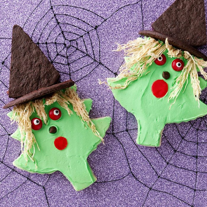 Halloween Cutout Cookies Exps48746 Sd19999444b06 24 4bc Rms