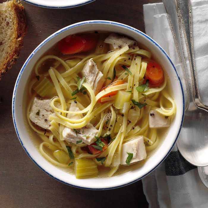 Hearty Homemade Chicken Noodle Soup Exps Sscbz18 25438 B10 18 3b 5