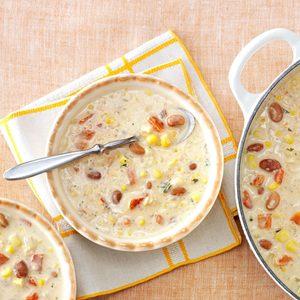 Hearty Quinoa & Corn Chowder