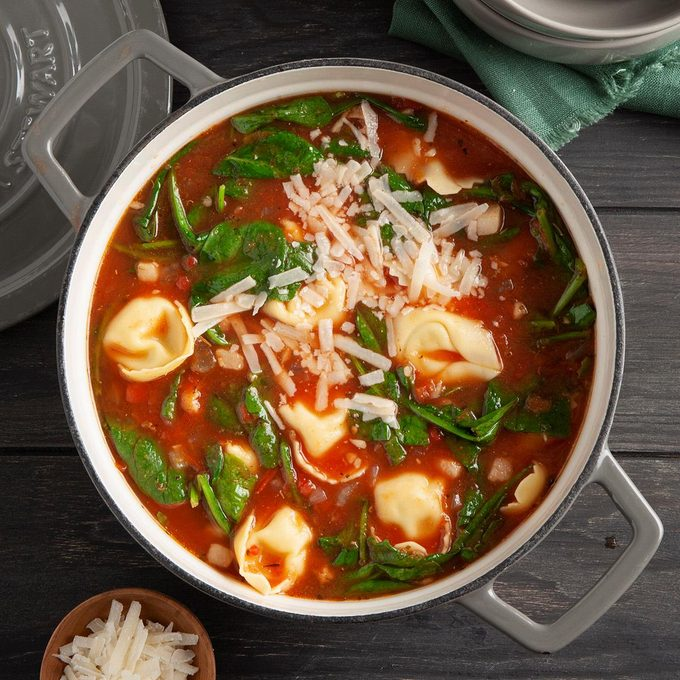 Holiday Tortellini Soup Exps Ft20 44158 F 1014 1 4