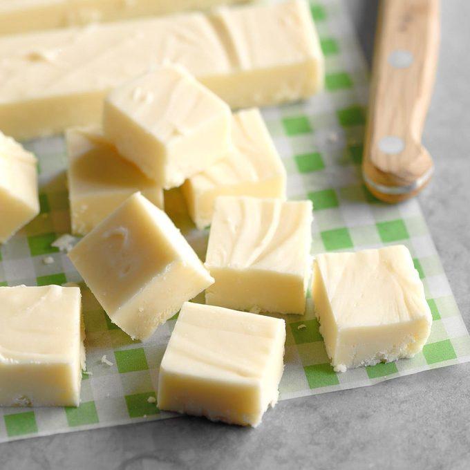Holiday White Chocolate Fudge Exps Sddj18 34560 B08 03 8b 2