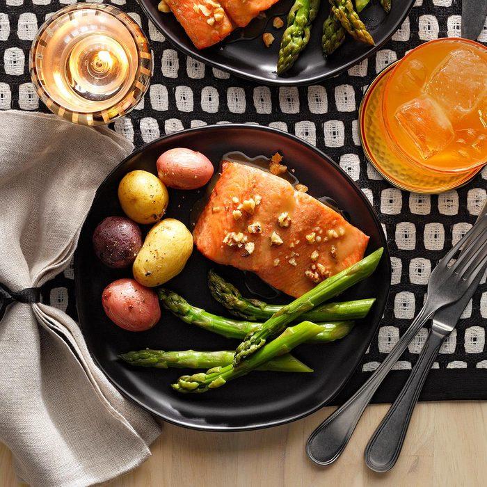Honey Dijon Salmon And Asparagus Exps Hca21 24082 B06 09 5b V2