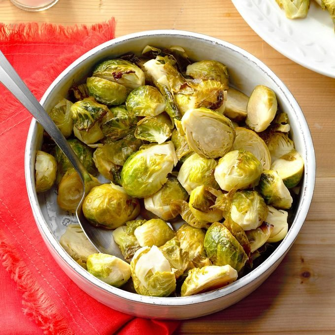 Honey Garlic Brussels Sprouts Exps Thfm18 197670 B09 14 2b 10