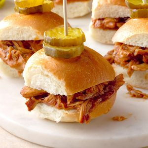 Honey and Ale Pulled Chicken Sliders