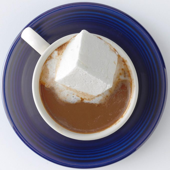 Hot Cocoa With Almond Milk Exps Thd18 179471 B08 03 3b 3