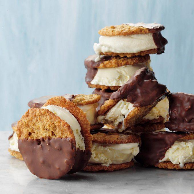 It S It Ice Cream Sandwiches Exps Tohjj21 168990 E02 05 1b 3