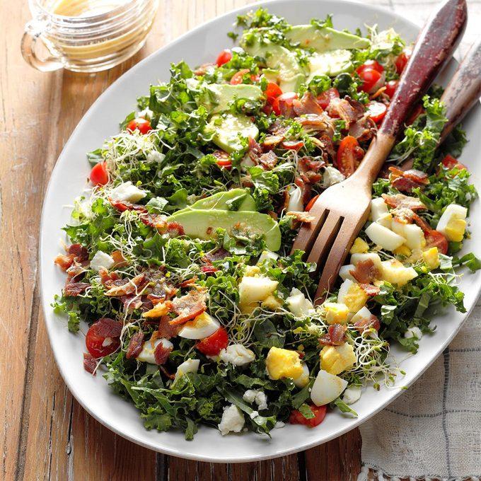 Kale Bacon Salad With Honey Horseradish Vinaigrette Exps Fttmz18 118032 B11 16 2b 4
