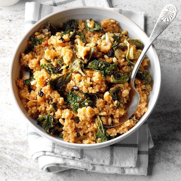 Kale Quinoa Salad Exps Thca19 137805 B11 16 4b 3