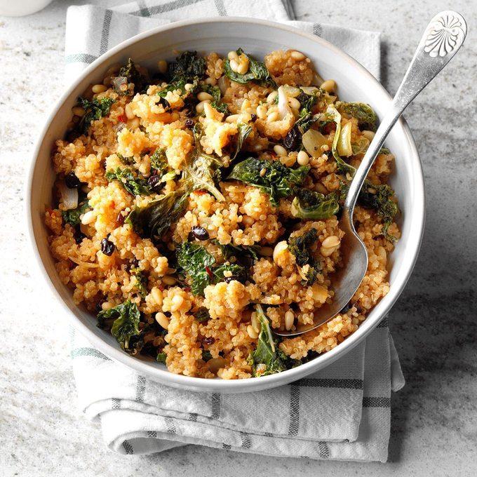 Kale Quinoa Salad Exps Thca19 137805 B11 16 4b 5
