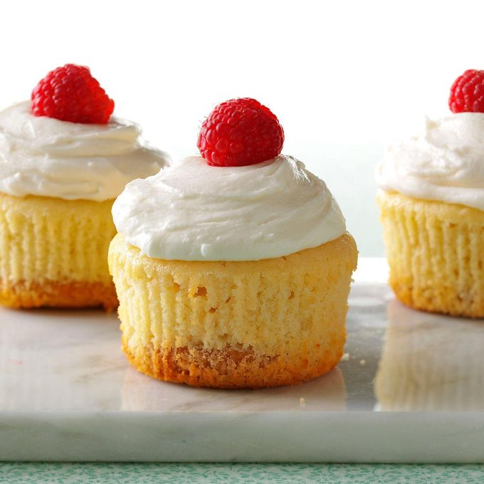 Key Lime Pie Cupcakes Exps173750 Th143190b09 25 6bc Rms 4