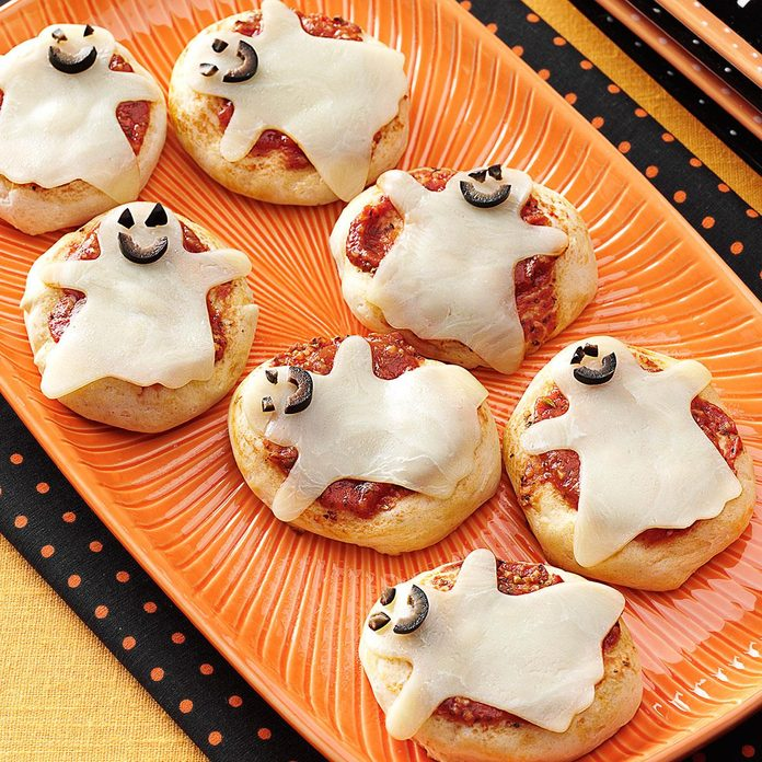 Kid-Size Ghost Pizzas