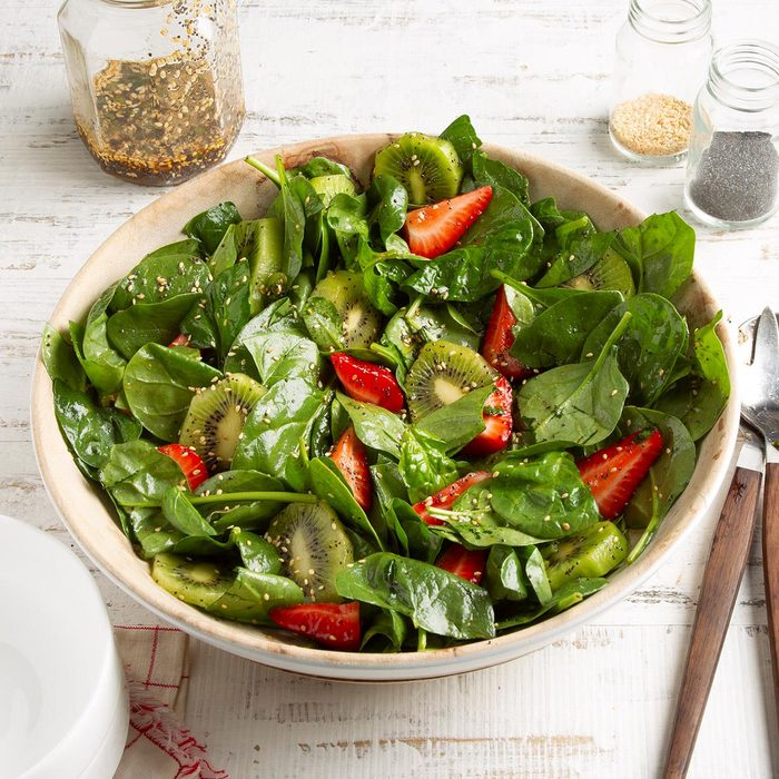 Kiwi Strawberry Spinach Salad Exps Ft21 19815 F 0526 1