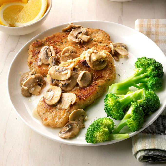 Lemon Pork With Mushrooms  Exps Sddj18 198984 D08 08 7b 9