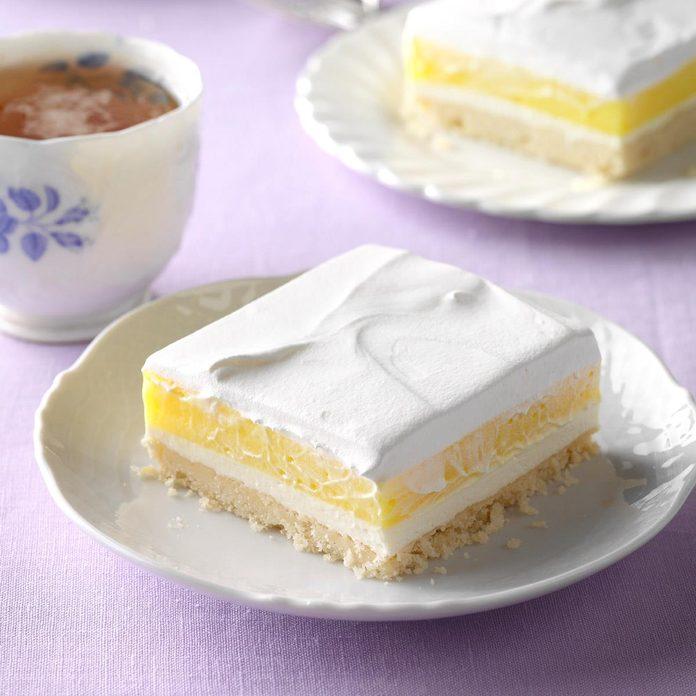 Lemon Pudding Dessert Exps Tham17 12018 D11 10 2b 5