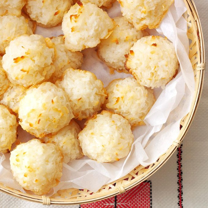 Lemony Coconut Macaroons Exps40651 Sd142780c08 07 5bc Rms 5