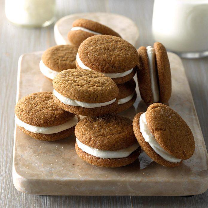 Lemony Gingerbread Whoopie Pies Exps Hplz17 50509 C06 02 5b 4