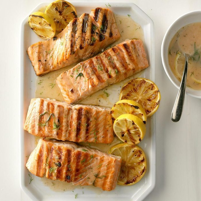 Lemony Grilled Salmon Fillets with Dill Sauce