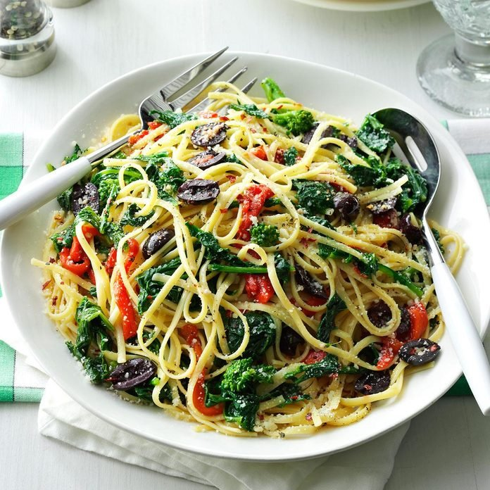Day 21: Linguine with Broccoli Rabe & Peppers