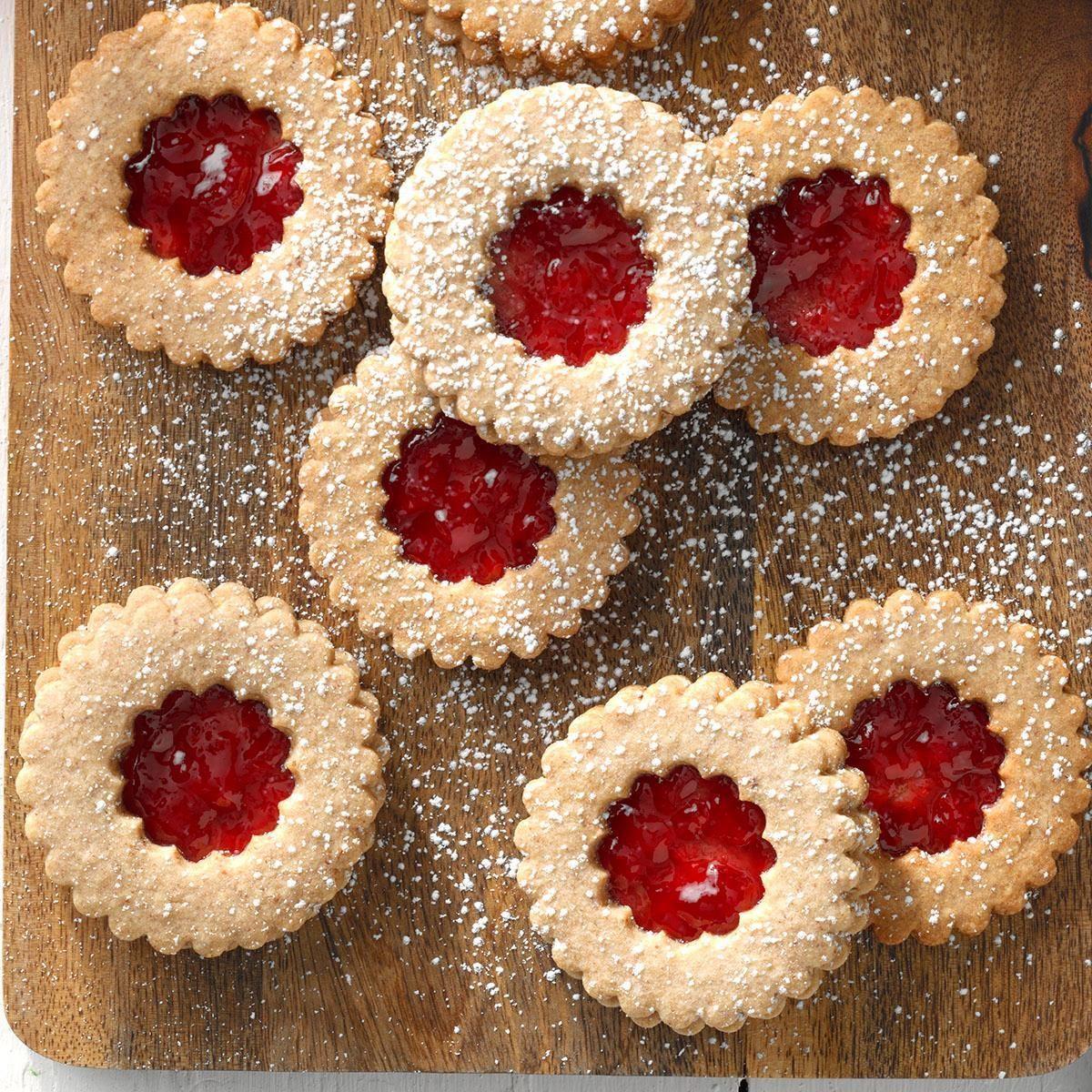 Austria: Linzer Cookies