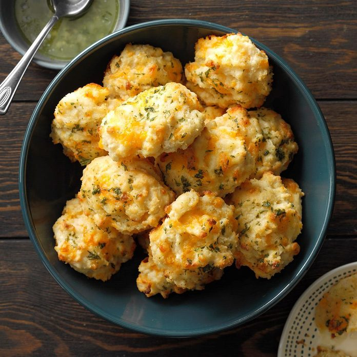 Makeover Cheddar Biscuits Exps Thas19 159552 B04 17 8b 2