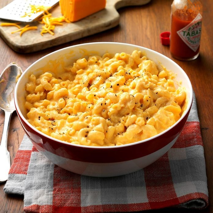 Makeover Slow Cooked Mac N Cheese Exps Hscbz16 33528 B08 02 4b 1