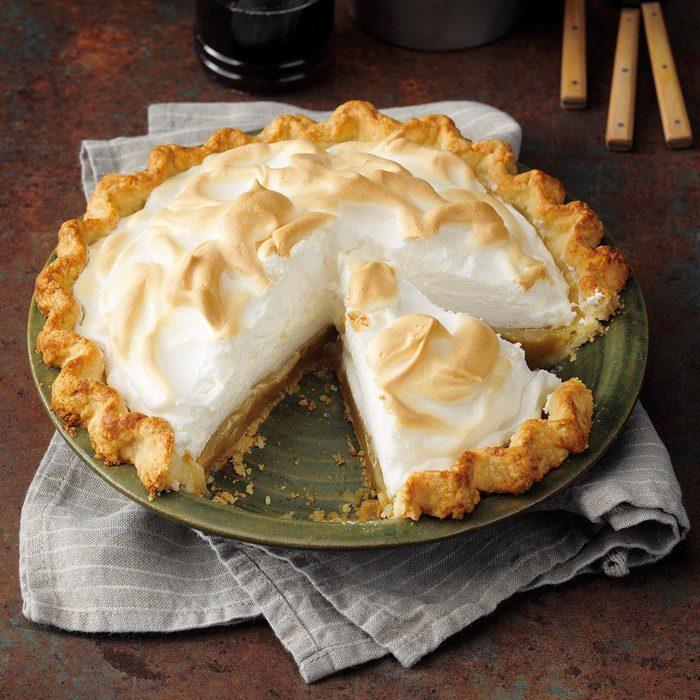 Maple Cream Meringue Pie Exps Tgbz21 38669 E05 26 1b 1