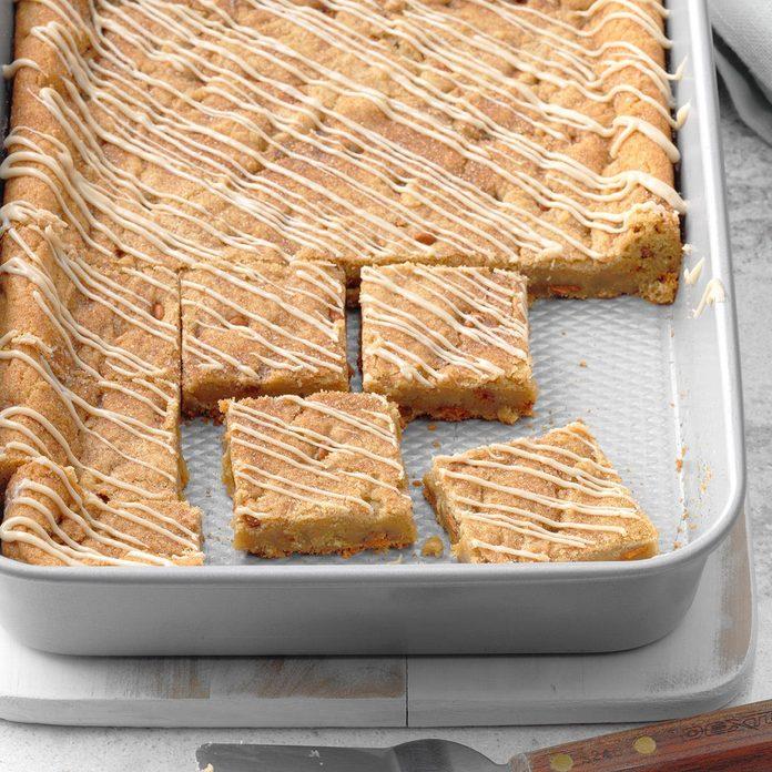 Maple Glazed Cinnamon Chip Bars Exps Fbmz18 154149 B05 11 6b 3