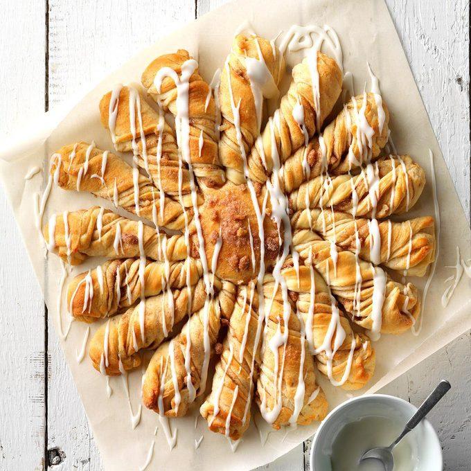 Maple Twist Coffee Cake Exps Thca19 39371 E08 17 3b 2