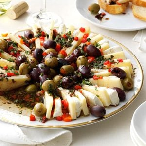 Marinated Olive & Cheese Ring