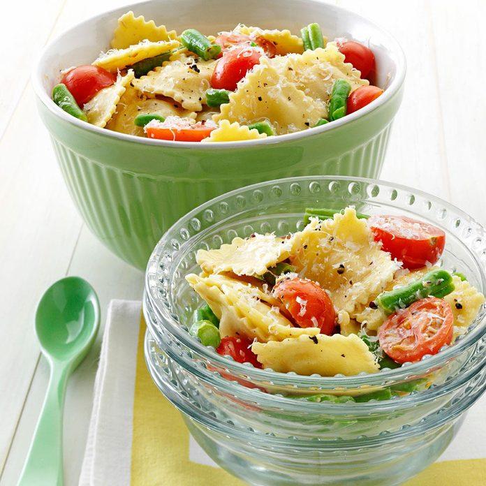 Mediterranean Pasta Caesar Toss Exps73116 Th2377560a02 28 1bc Rms 3