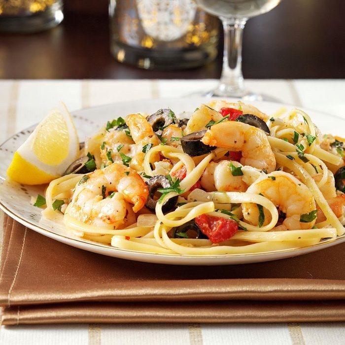 Mediterranean Shrimp Linguine Exps120872 Sd2232457c08 26 3bc Rms 6