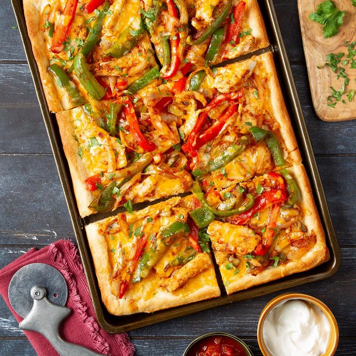 Mexican Chicken Fajita Pizza Exps Ft19 50979 F 1205 1 3