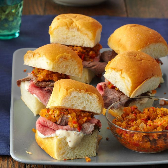 Mini Rosemary Roast Beef Sandwiches Exps174230 Th143190d09 25 3bc Rms