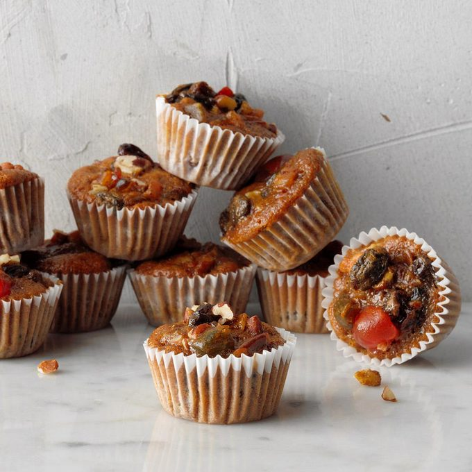 Miniature Christmas Fruitcakes Exps Hbmz19 2527 E06 21 6b