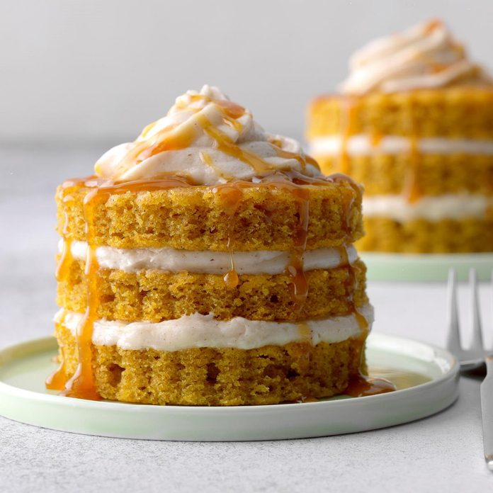 Miniature Pumpkin Cake Towers Exps Thas19 112327 B04 25 1b 5
