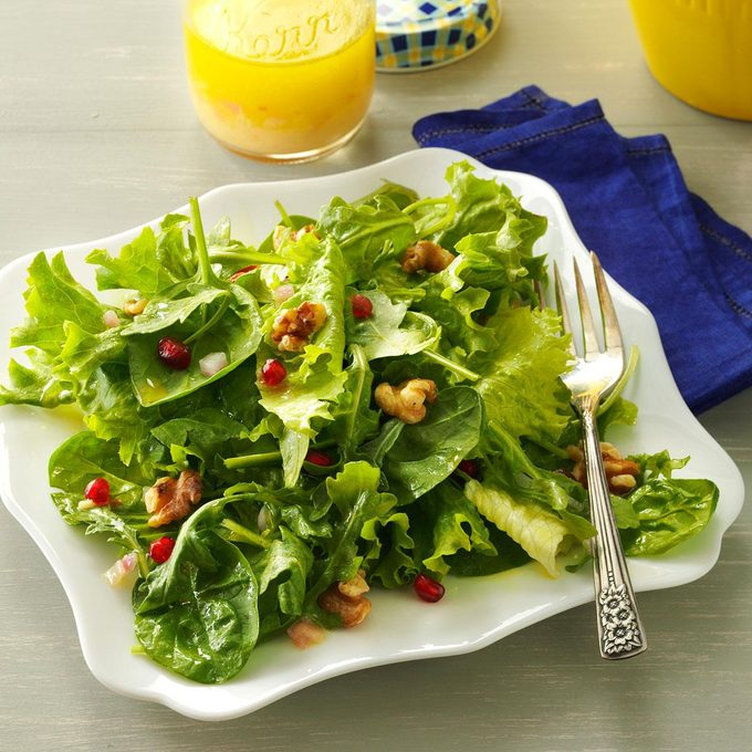 Mixed Greens With Lemon Champagne Vinaigrette Exps82287 Th143190d10 11 8bc Rms