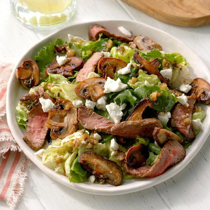 Mushroom Steak Salad With Walnut Vinaigrette Exps Cf2bz20 40328 B12 06 1b 3
