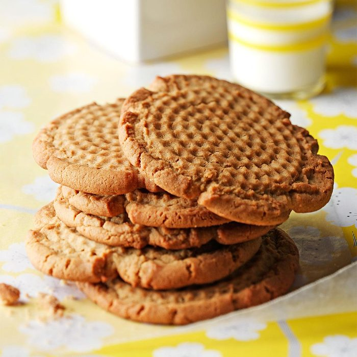 Old Fashioned Peanut Butter Cookies Exps7873 Thcb1914178b12 10 4b Rms 12