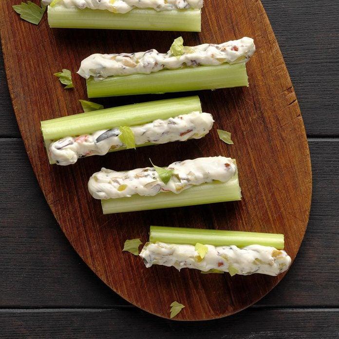 Olive Stuffed Celery Exps Diyd19 91381 B07 17 6b 3