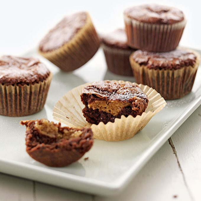 Peanut Butter Filled Brownie Cupcakes Exps44399 W101973175a05 13 5bc Rms 4