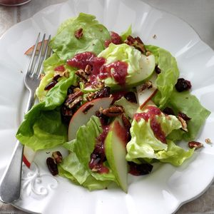 Pear & Pecan Salad with Cranberry Vinaigrette